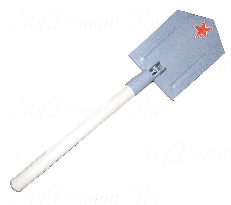 Лопата с деревянной ручкой